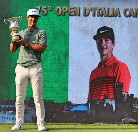 Thorbjørn Olesen with the Italian open trophy 2018