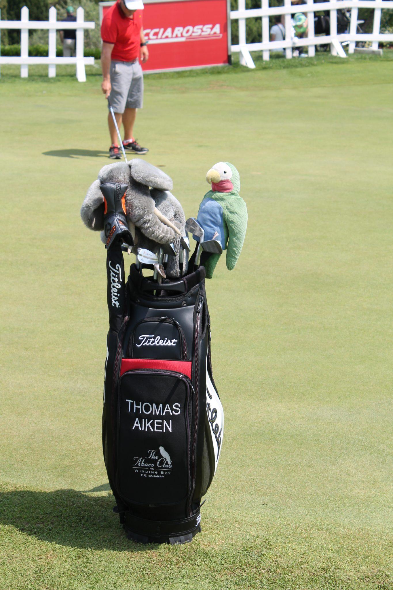 Thomas Aiken golf bag