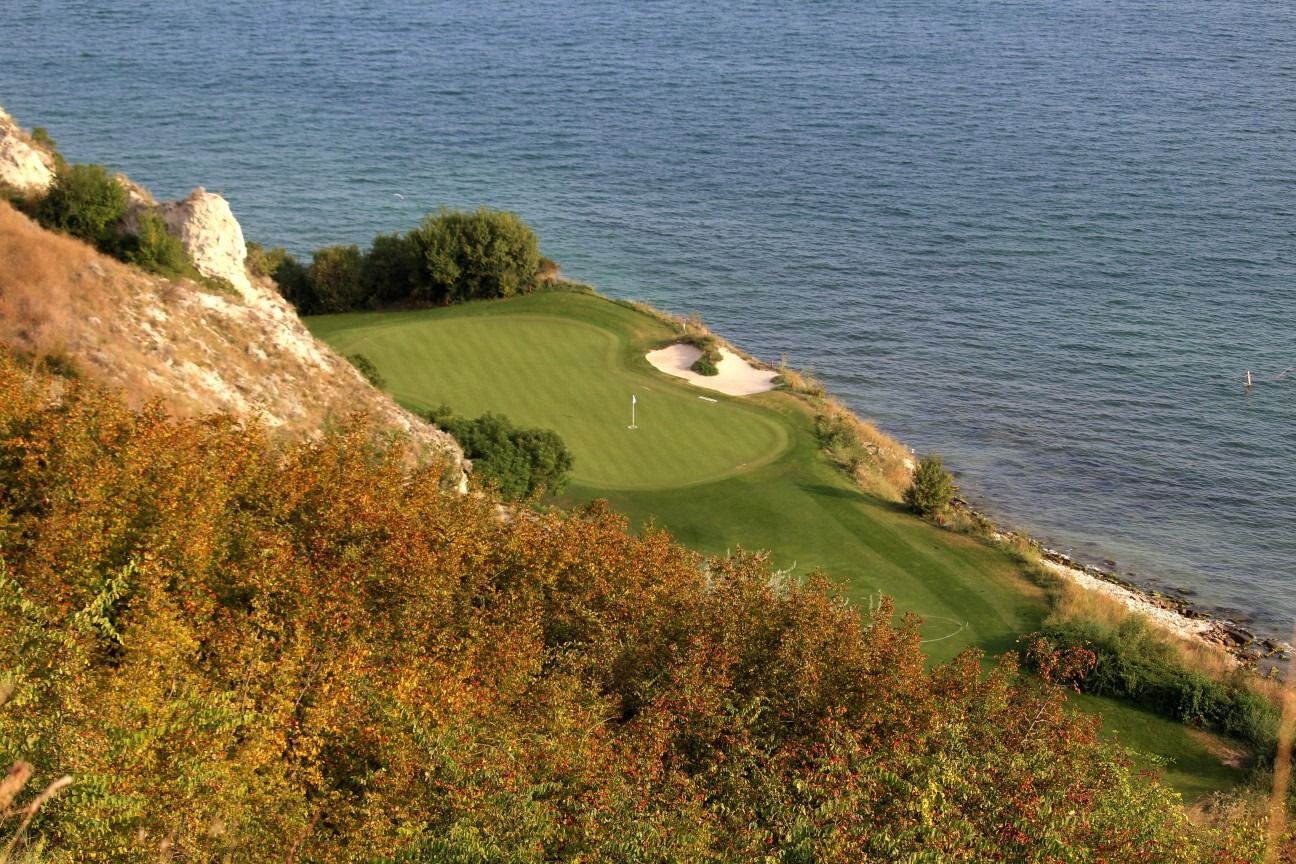 The famous par 3 sixth at Thracian Cliffs